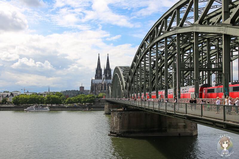 Dom und Hohenzollernbruecke Lieblingsplaetze in Koeln
