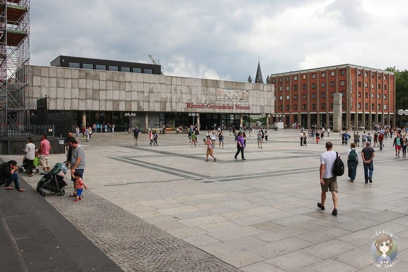 Roncalliplatz eine von Kölns Sehenswürdigkeiten