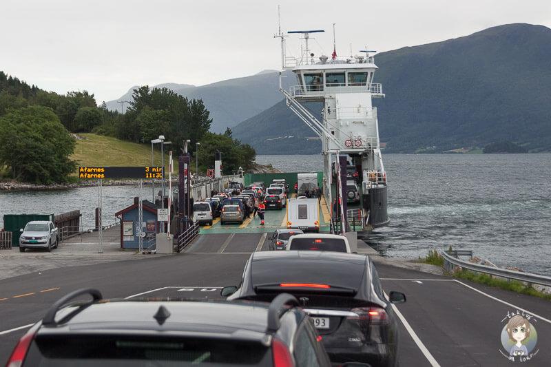 Konkrete Angaben bei der Auffahrt auf die Fähre in Norwegen