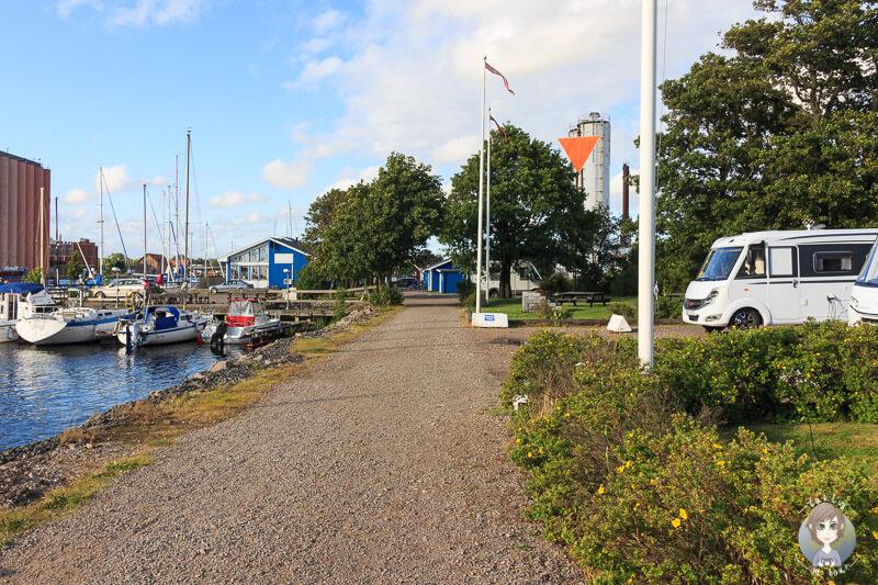 Stellplätze für Wohnmobile an der Marina von Falkenberg, Schweden