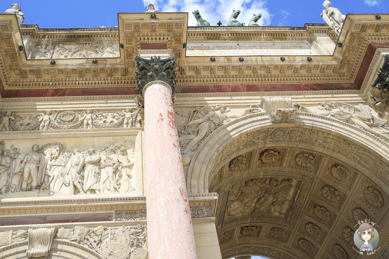 Details am Arc de Triomphe du Carrousel Paris