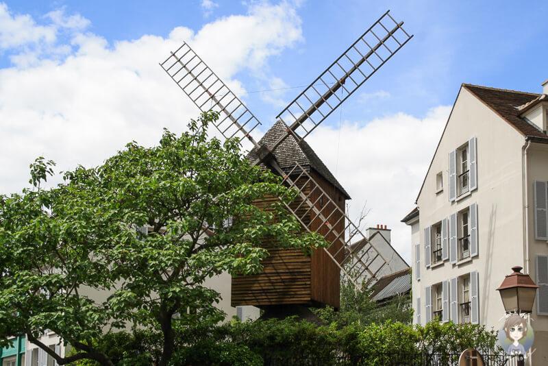 Eine alte Muehle in Paris Montmartre