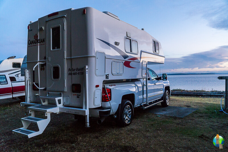 Frau-Alleine-Kanada-Camper