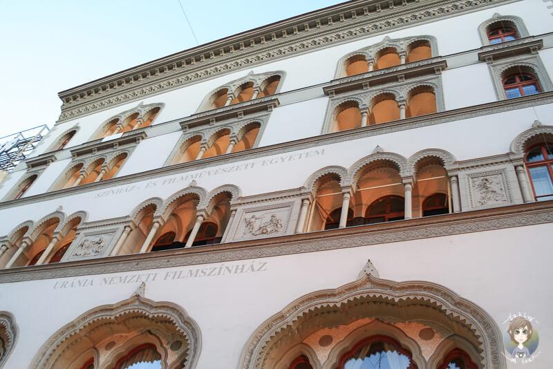 Wunderschoene Hausfassaden in Budapest