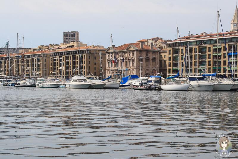 Boote im Hafen von Marseille am Tag