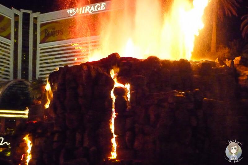 Die Feuershow vor dem Hotel Mirage in Las Vegas
