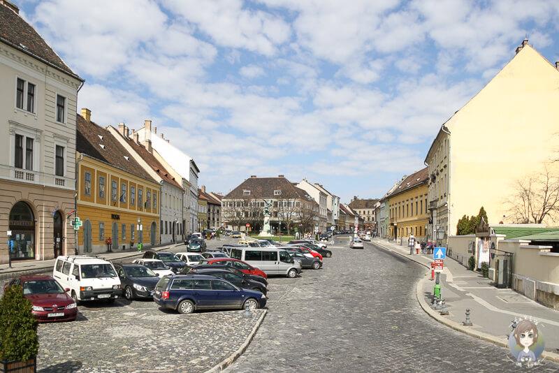Schmale Straßen auf dem Burgberg in Budapest