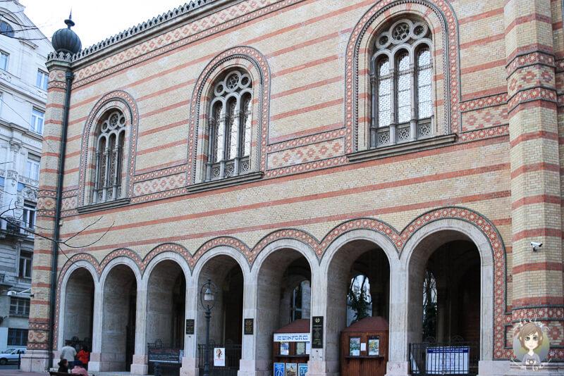 Das sehenswerte Gebäude der Synagoge von Budapest
