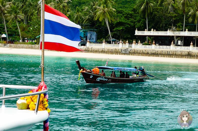 Longtailboat am Pier von Koh Phi Phi auf unserer Thailand Rundreise als Backpacker
