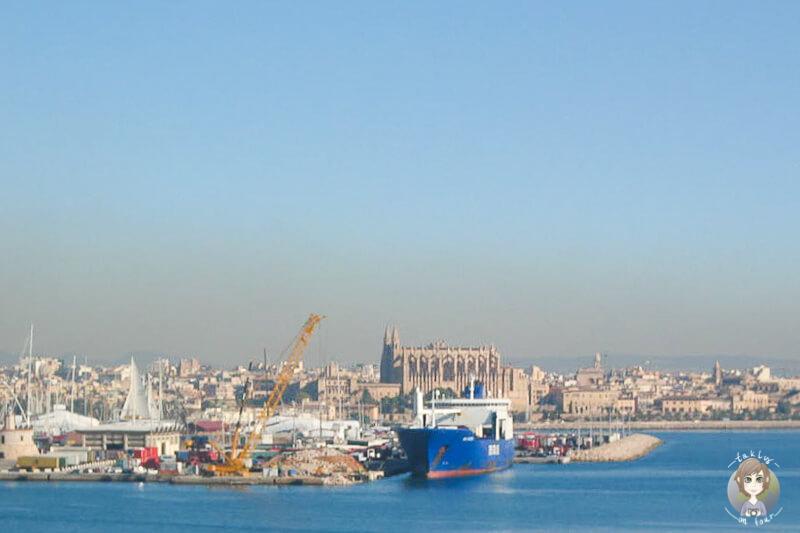 Aussicht von der AIDA in Palma auf die Kathedrale
