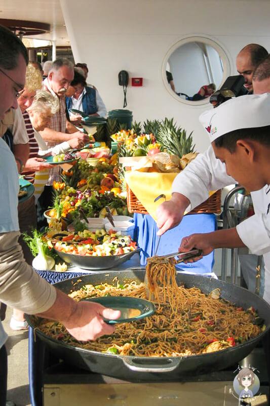 Essensbuffet Deck Seetag AIDA