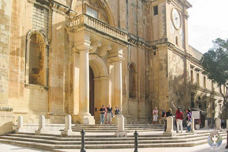 Der Eingang vom Großmeisterpalast auf unserer Tour mit AIDA in Malta
