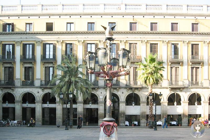 Haeuser Plaça Reial Barcelona