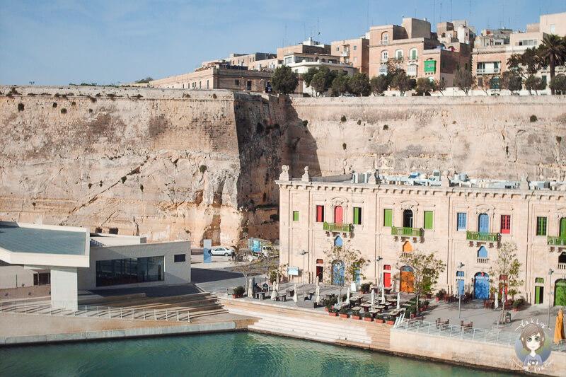Sehenswerte Haeuser im Hafen von Valletta