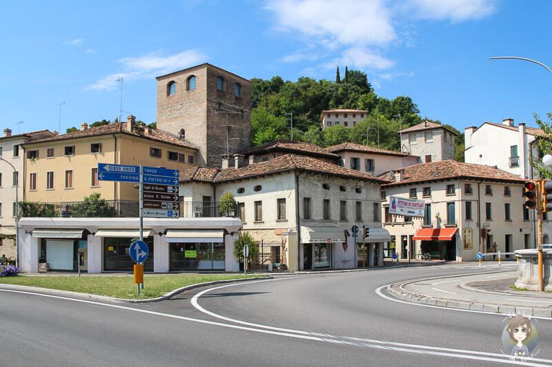 Die Hauptstraße in Conegliano Italien