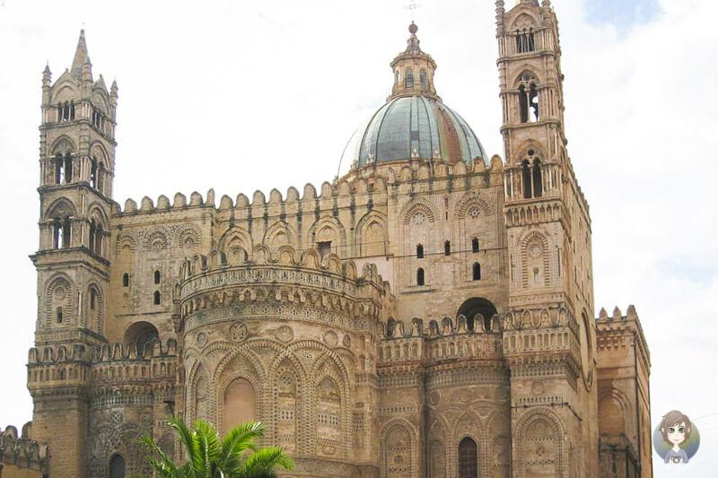 Blick auf die Kathedrale von Palermo