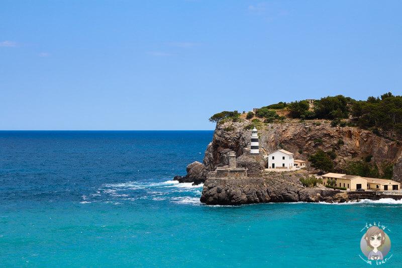 Blick auf den Leuchtturm in Port de Soller in unserem Mallorca Video