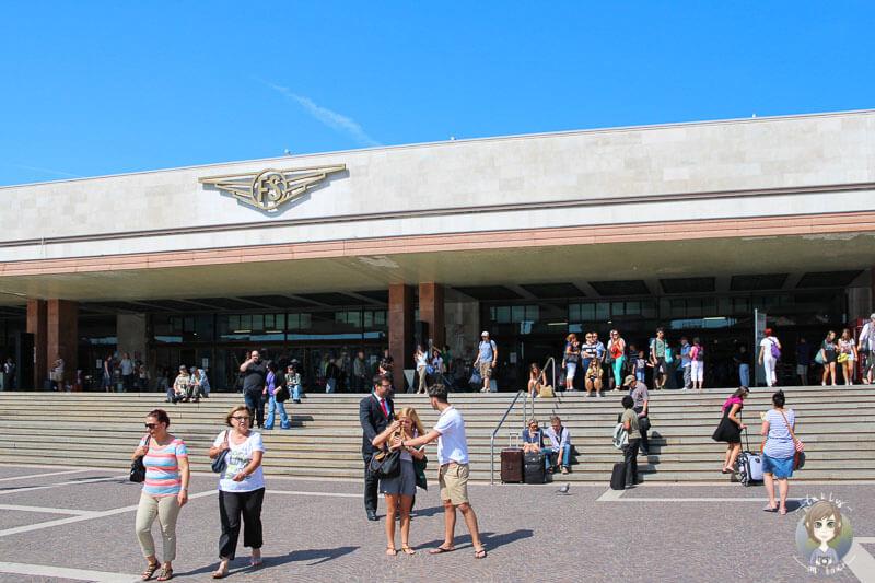 Blick auf den Bahnhof Santa Lucia in Venedig