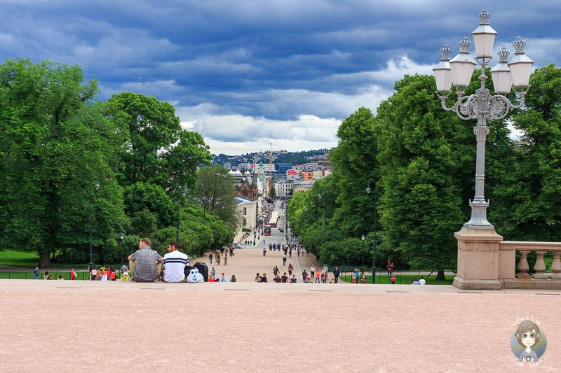 Blick vom Schlossvorplatz auf die Stadt