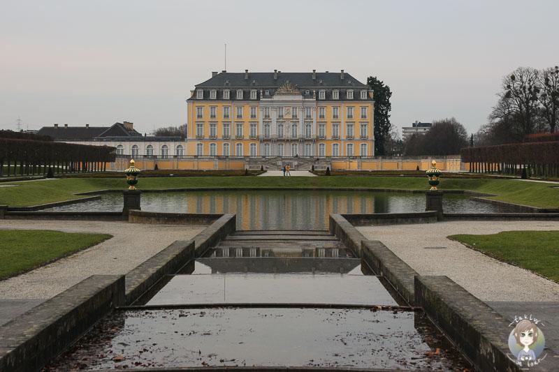 Schloss Brühl im Herbst
