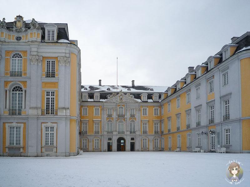 Schloss Augustusburg in Brühl im Schnee