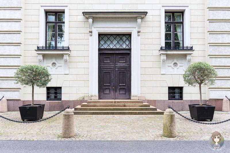 Eine Seitentür vom Schloss Oslo