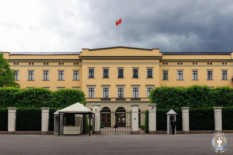 Die Vorderseite vom Schloss Oslo