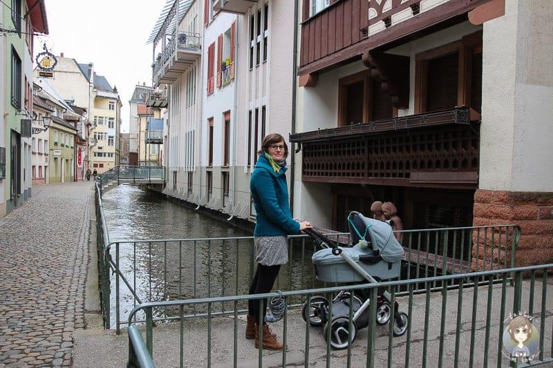 Mit dem Kinderwagen in der Stadt unterwegs erste Mal in der Elternzeit reisen