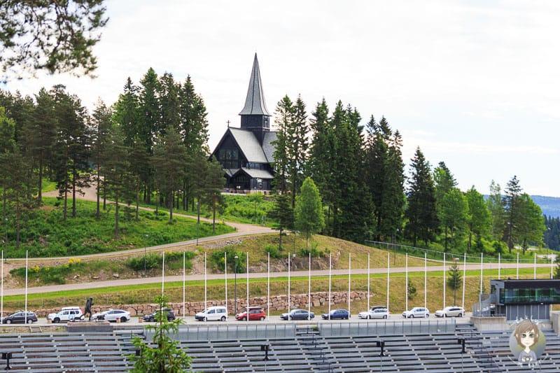 Blick auf die Holmenkollen Kapelle in Oslo