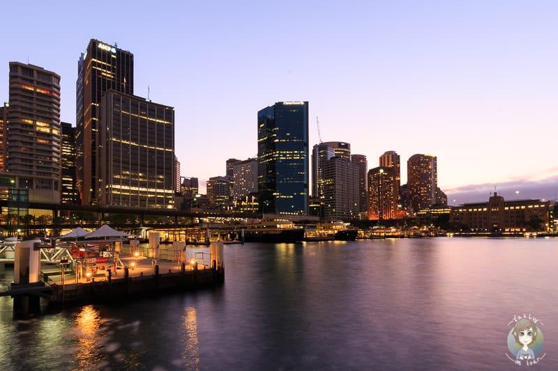 Waterfront in Sydney am Abend