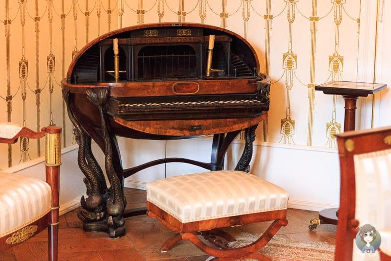Antikes Klavier im Schloss Detmold