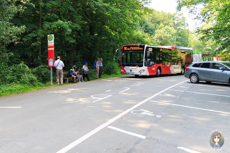 Bus Detmold an den Externsteine