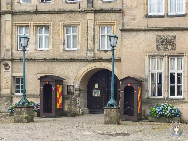 Der Eingang vom Fürstlichen Residenzschloss Detmold