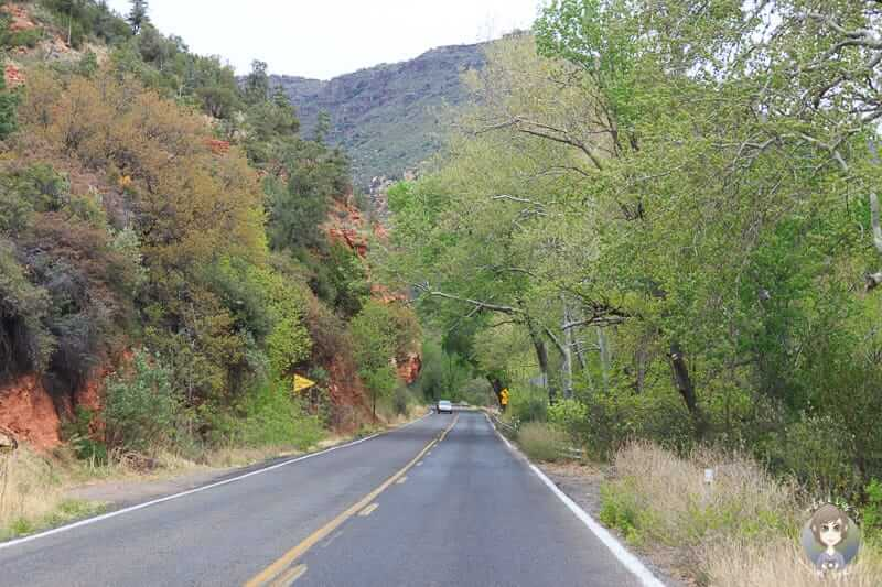 Die Landschaft an der Sedona Oak Creek Canyon Scenic Road