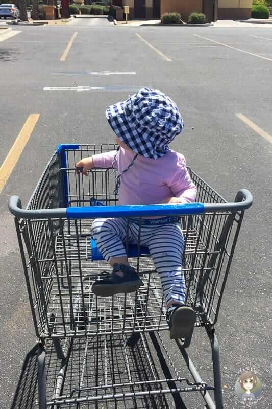 Der leere Einkaufswagen