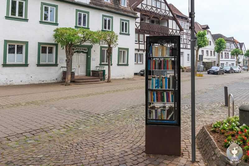 Büchertausch in der Altstadt von Beverungen