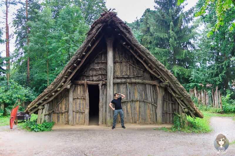 Eine Hütte in unserem Ausflugstipp Archäologisches Freilichtmuseum Oerlinghausen