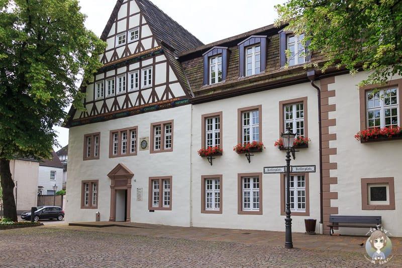 Ein Fachwerkhaus auf dem Kellerplatz