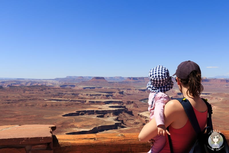 Mit Kind am Green River Overlook im Canyonlands National Park