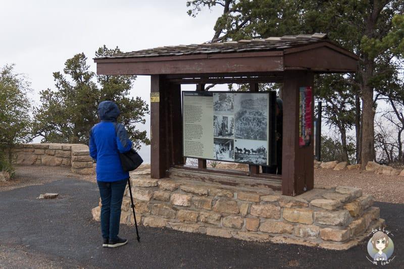 Eine Infotafel am Grand View Point