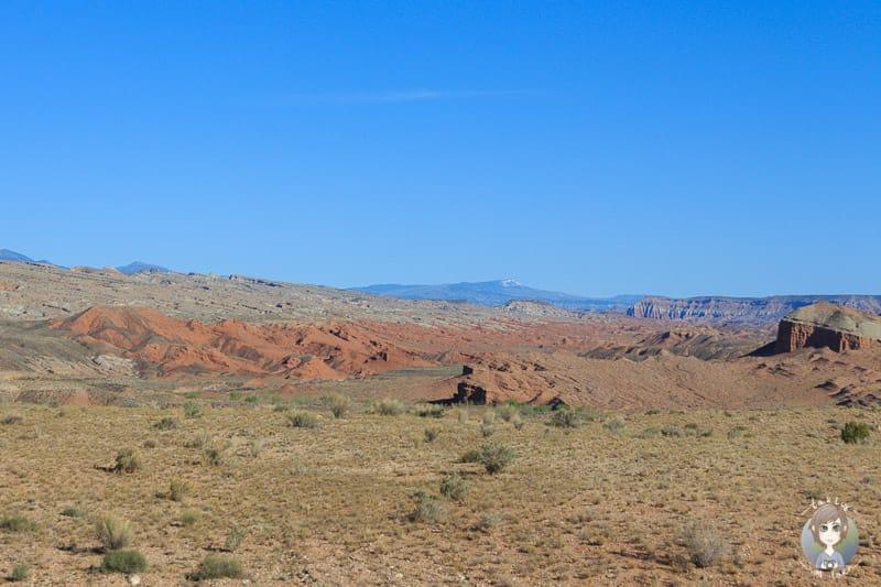 Eine weite Landschaft in Torrey, nahe des Capitol Reef National Parks in Utah