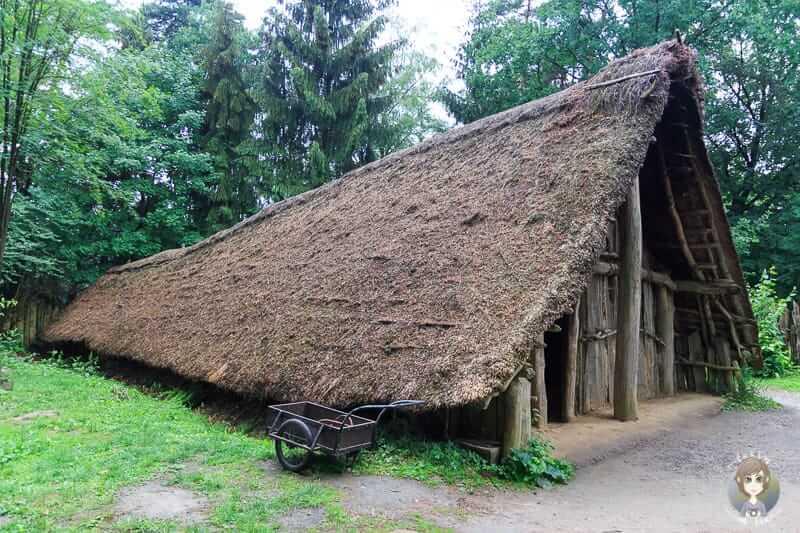 Ein Langhaus aus der Jungsteinzeit im Archäologischen Museum Oerlinghausen