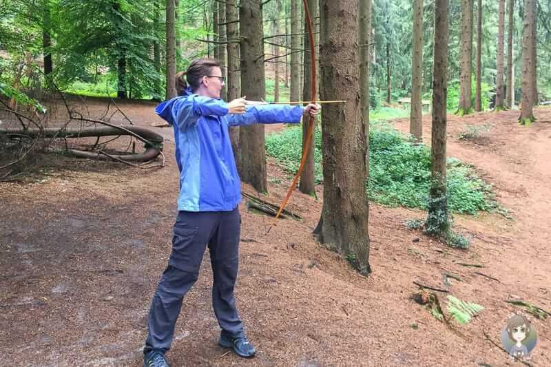 Bogenschießen auf einer Mach Mit Führung im Freilichtmusem Oerlinghausen
