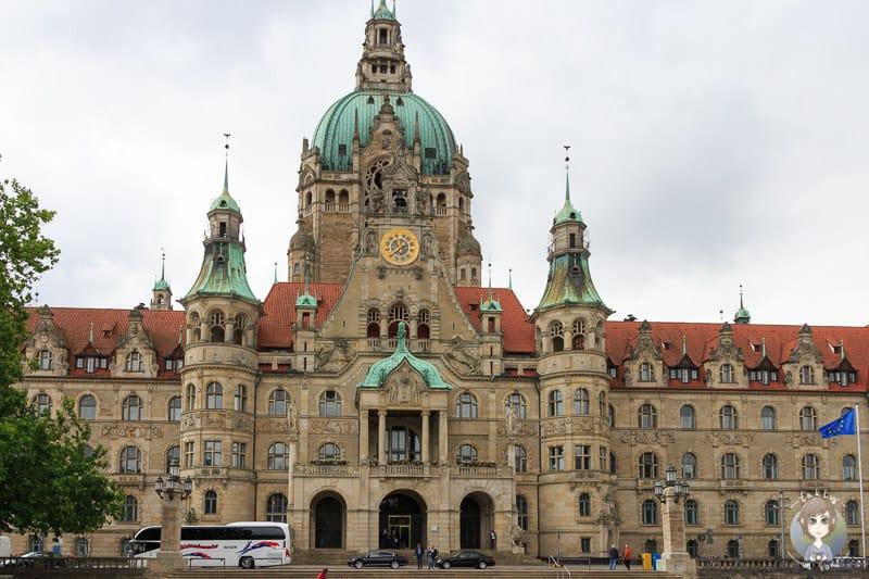 Blick vom Trammplatz auf das Neue Rathaus Hannover