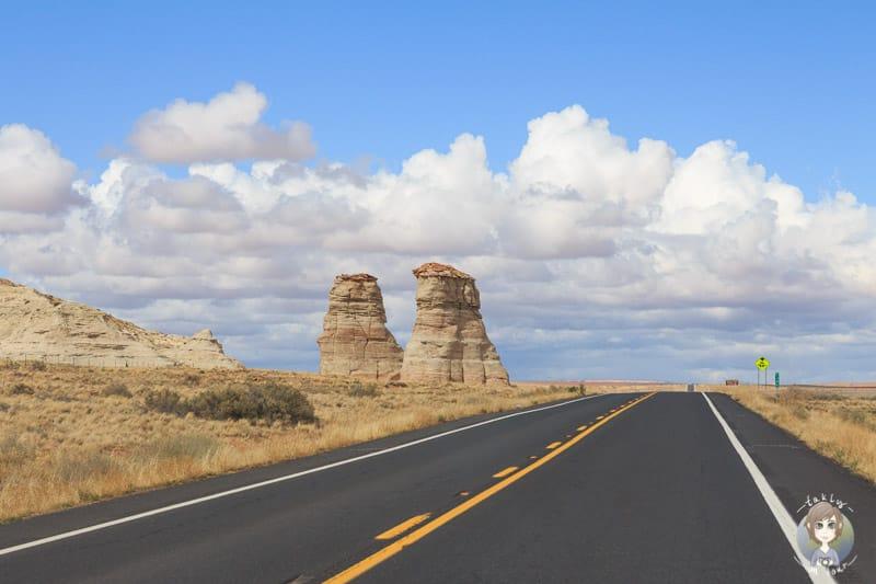 Sandsteinformationen am Wegesrand