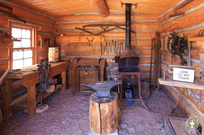 Eine Werkstatt im Freilichtmuseum Bluff