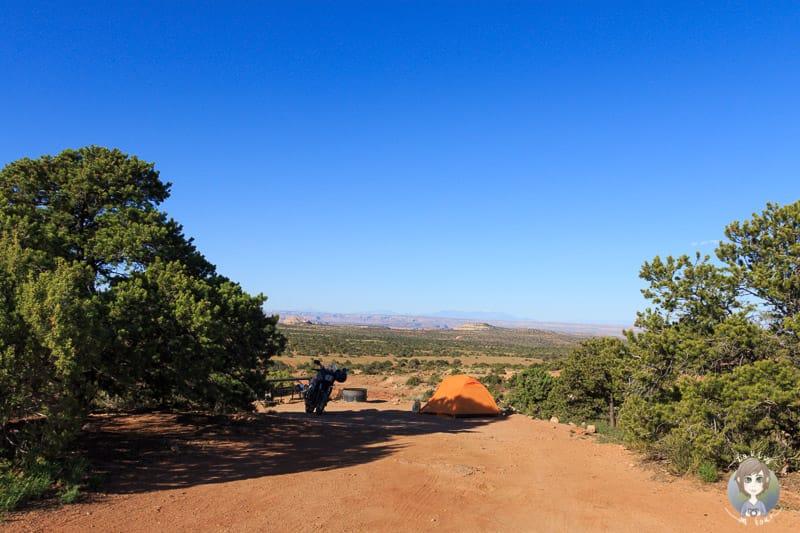Ein Zeltcamper im Cowboy Camp