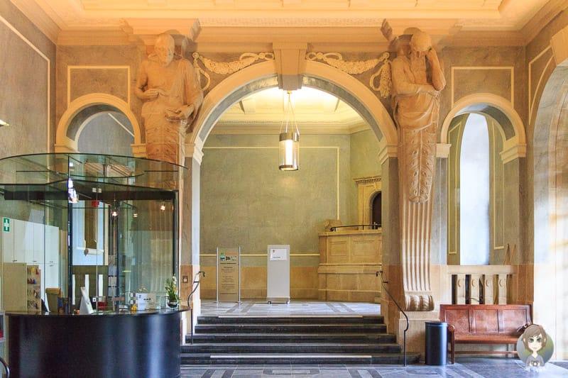 Eingang vom Neuen Rathaus in Hannover
