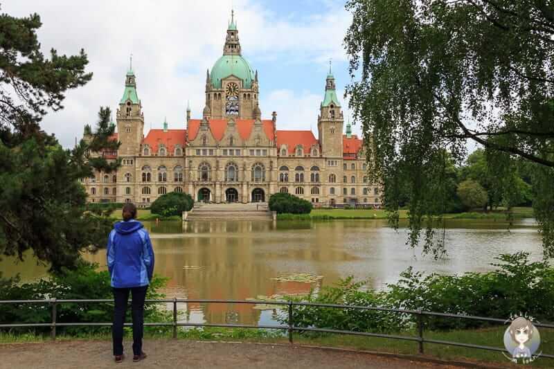 Der Panoramablick auf das Neue Rathaus in Hannover