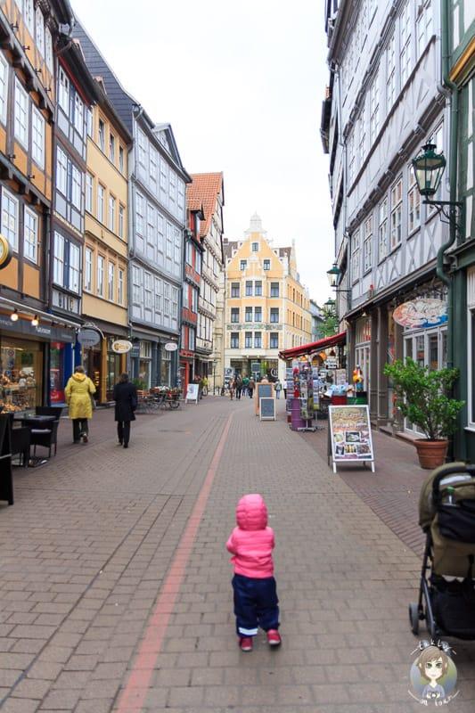 Wir folgen dem Roten Faden durch die Altstadt von Hannover